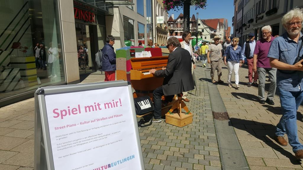 Clemens Wittel am Street Piano